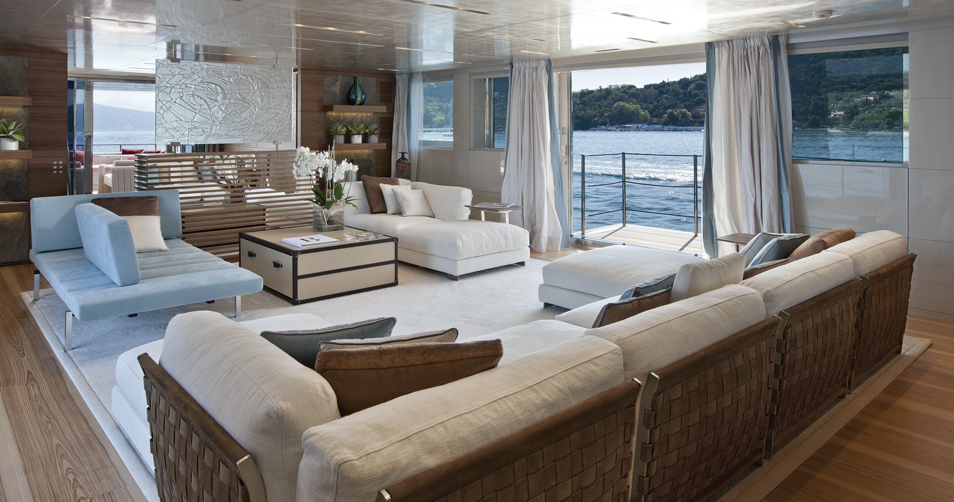 sanlorenzo-superyacht-40-alloy-scorpion-interno